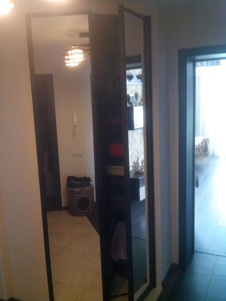 Двери-купе зеркальные для встраиваемого шкафа 2